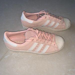 Baby pink textured superstar adidas